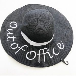 NWT Out Of Office Black & White Floppy Beach Hat